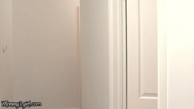 Pelirroja hijastra con madrastra video pornoxxx