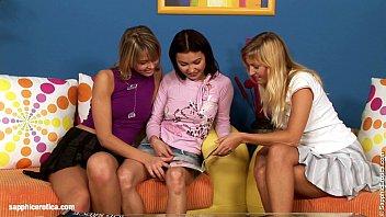 Tres chicas sexy y un trío lésbico porno
