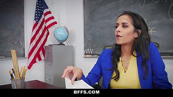 BFFS PORNO – Profesora sexy brasileña está teniendo sexo con su estudiante