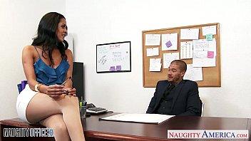 Abby Lee Brasil Con su colega teniendo sexo en la oficina – Porno HD