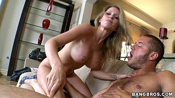 Perfecto MILF Courtney Cummz Porno Video HD