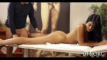 Chica morena masaje video porno – Videos eroticos