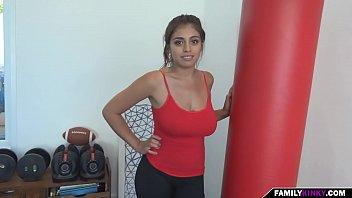 Mi joven hermana de paso tetona – Sexmex!