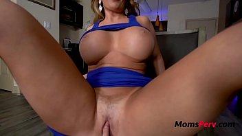 Muy sexy madrastra video porno